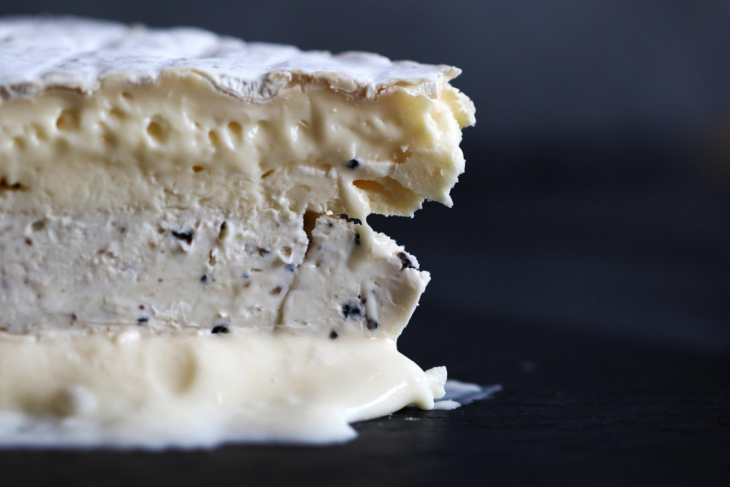 truffle-brie-de-meaux-280A8617.jpg