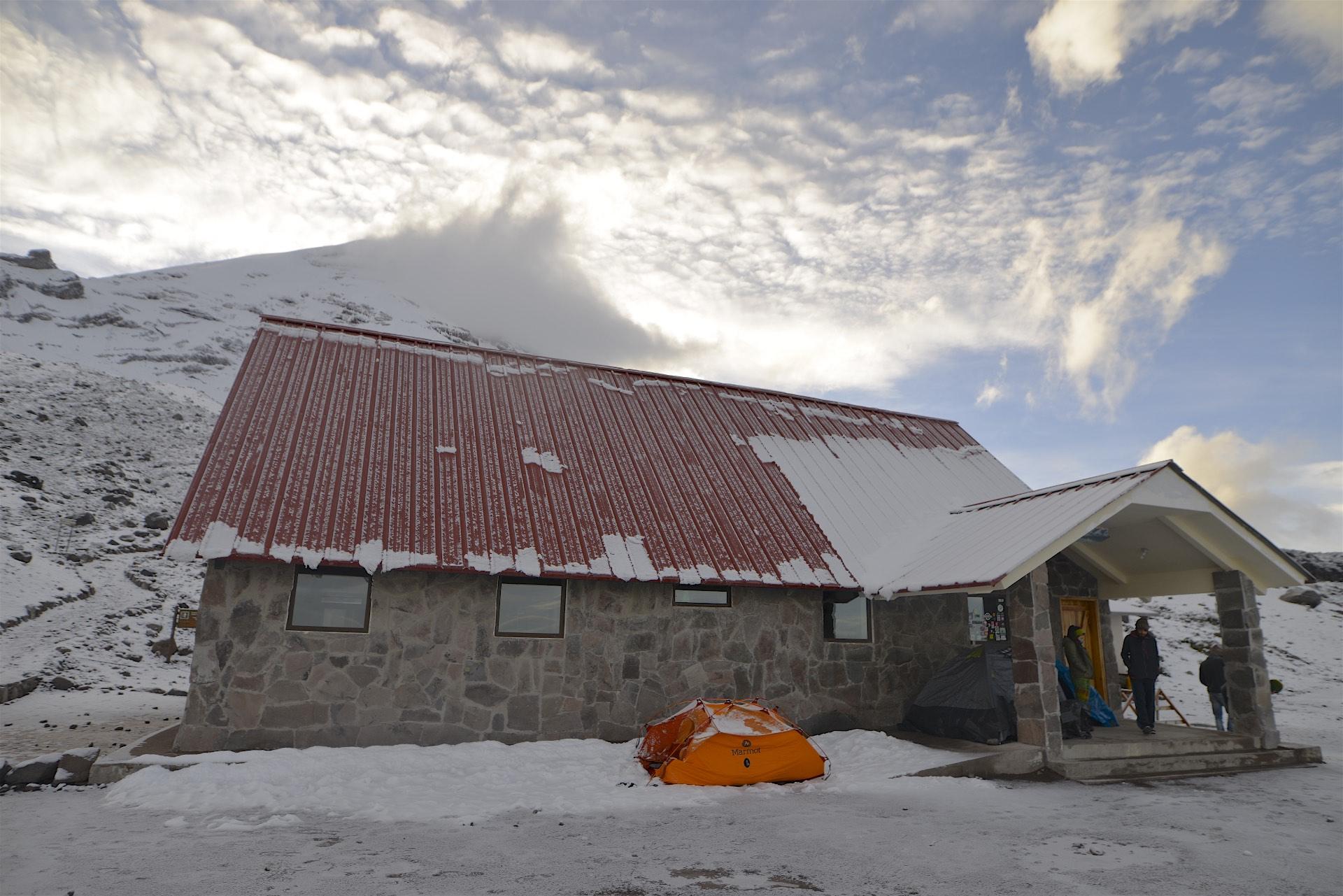 Camping at Refugio #1 at 4850meters.