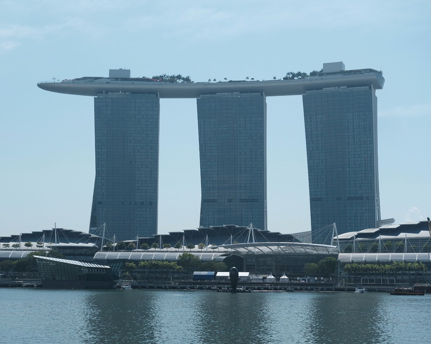 Singapore, Marina Bay Hotel with Fuji X-Pro2 with the 35mm f/2!