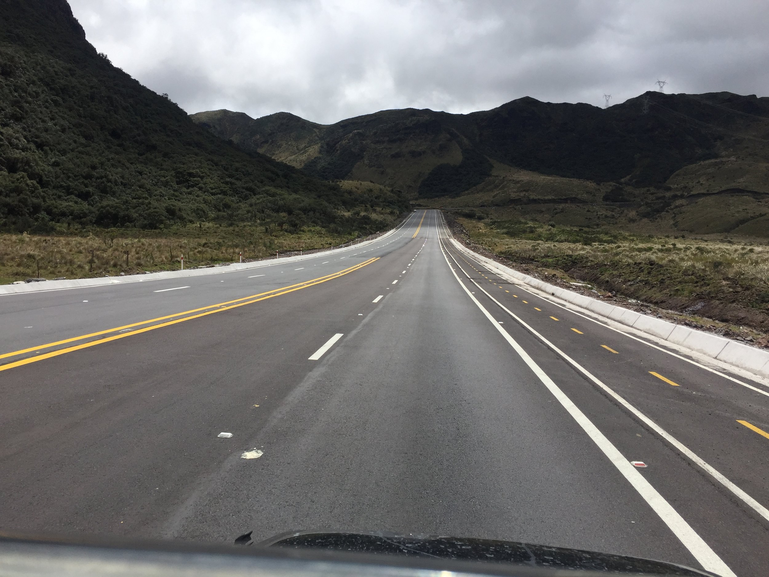 ECUADOR! The nicest roads of the whole panamerican roadtrip are in Ecuador. The Chinese built it. China is more or less imposing themselves in Ecuador.