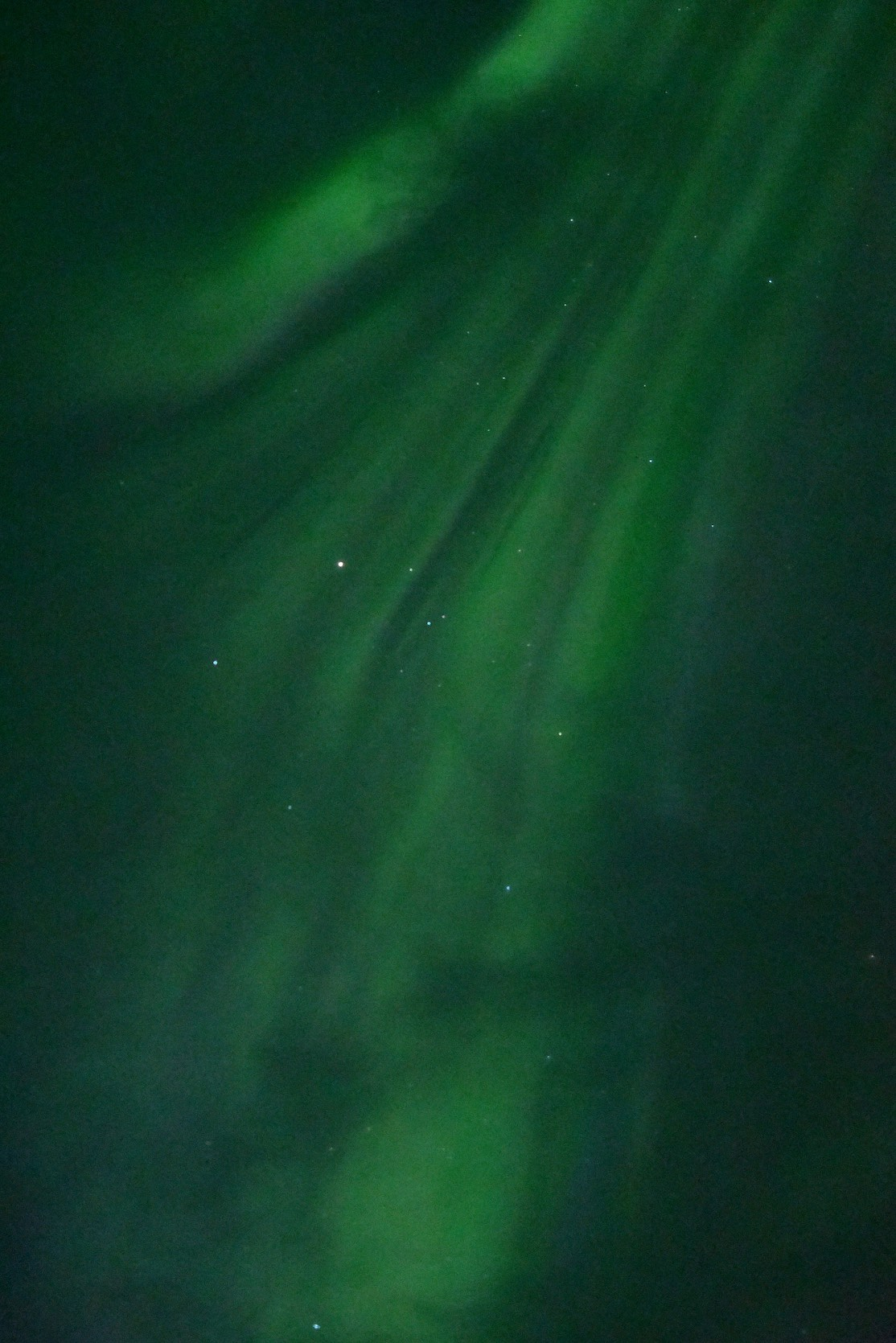 51 200 ISO. Hand-held photo of the northern lights. Amazing.