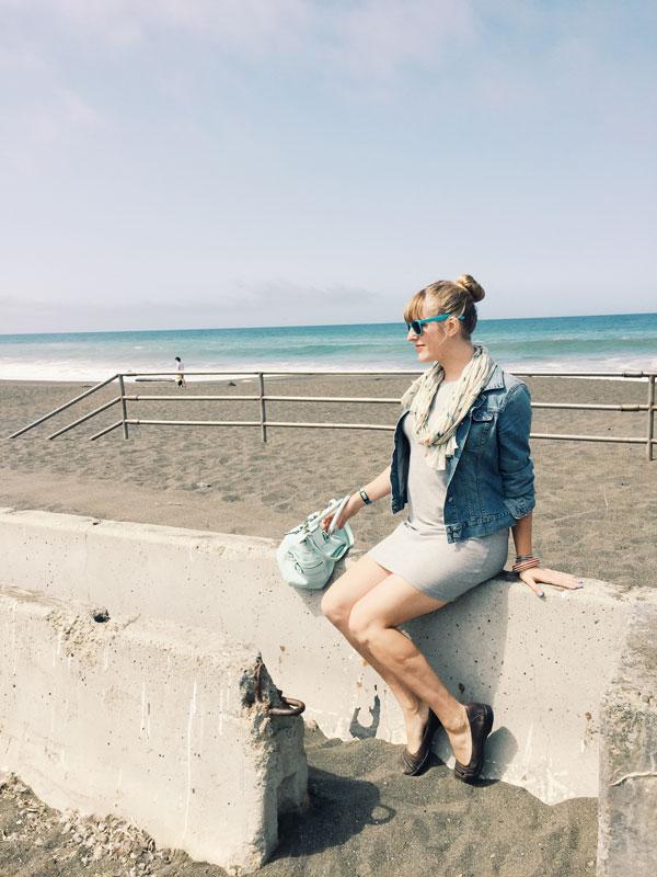 v_sitting_beach.jpg