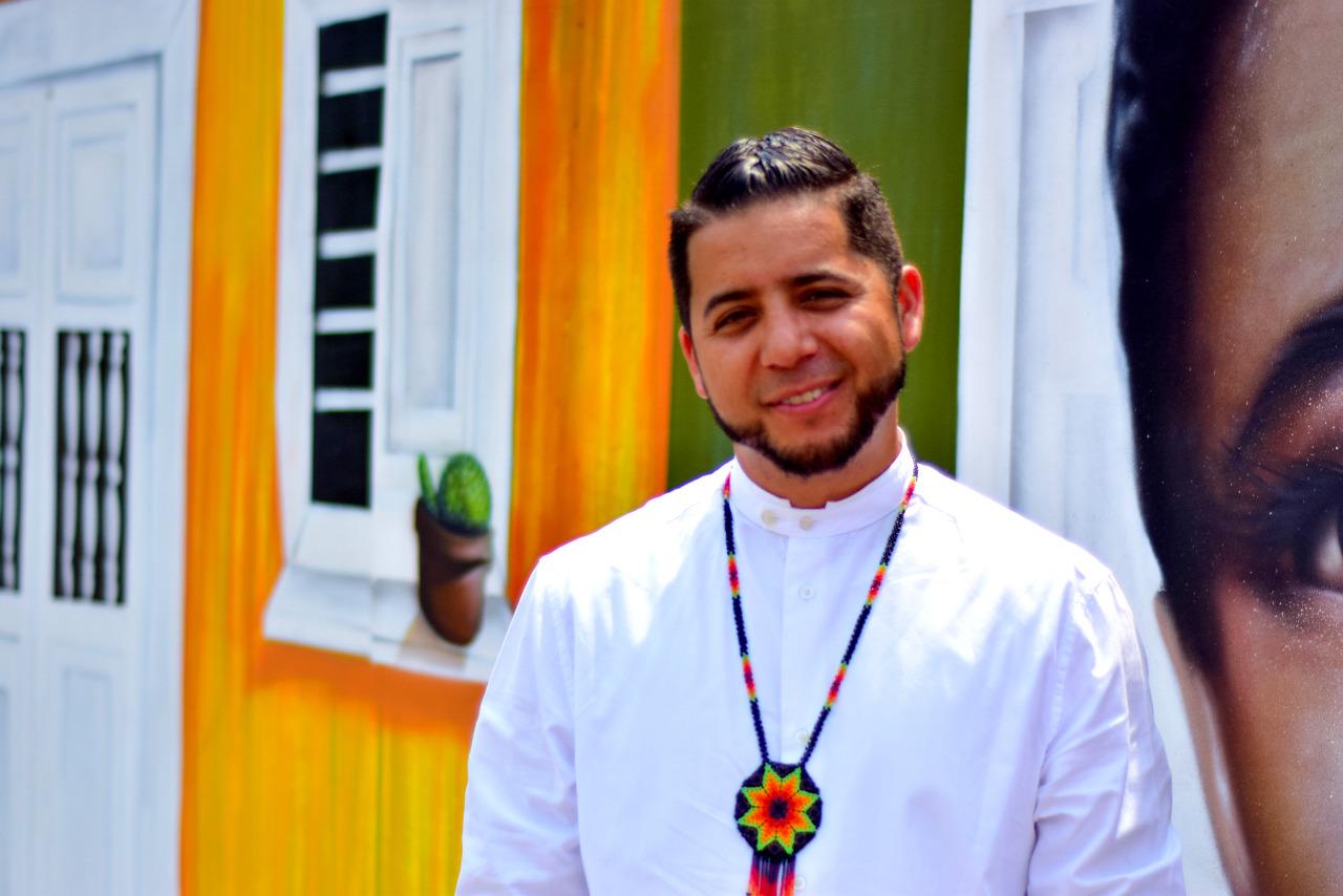 ARMANDO HERNÁNDEZ