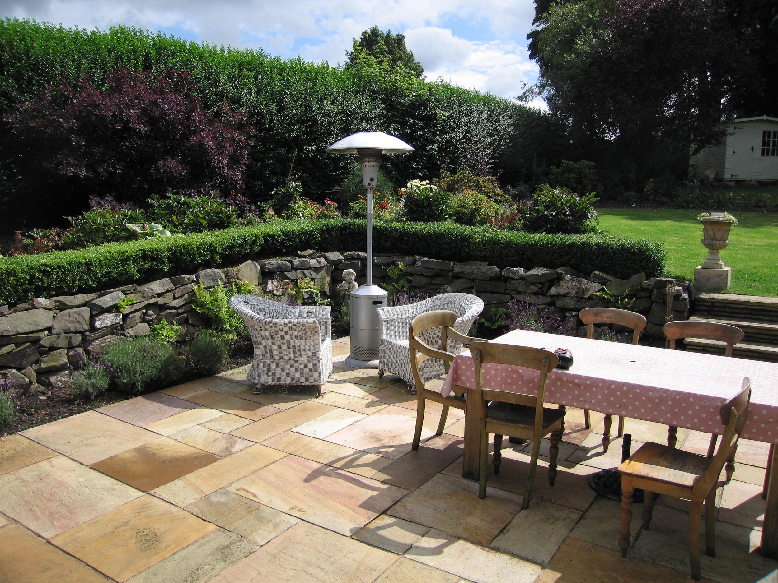 Patio Garden - Dunn Landscapes