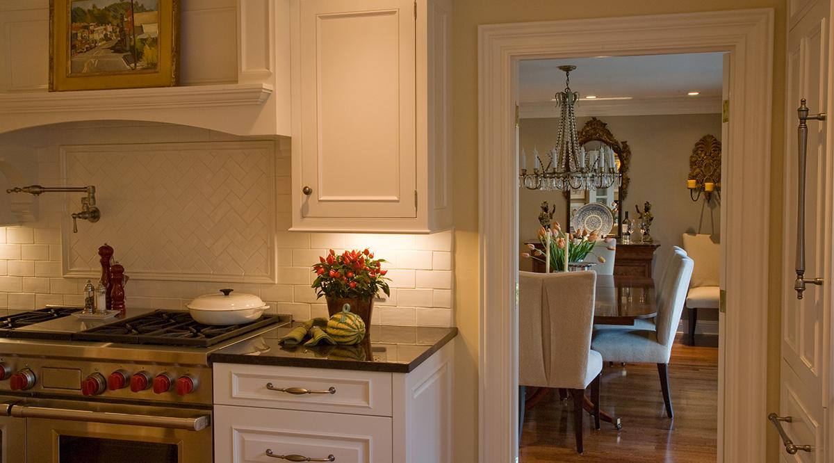 kitchen close crop.jpg
