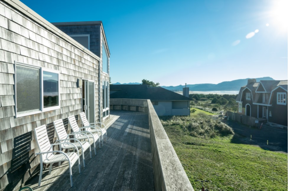 Click  HERE  to reserve your next vacation on the Oregon Coast