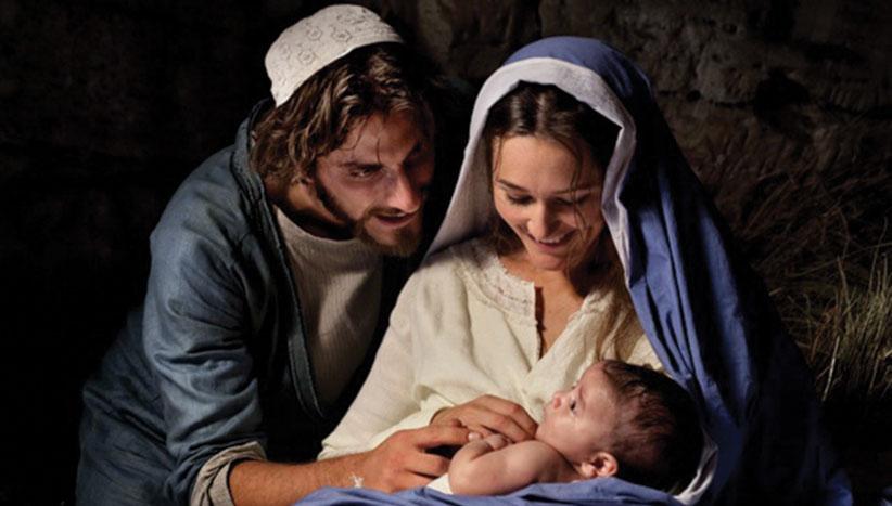 Christmas--jesus as baby mary joseph.jpg