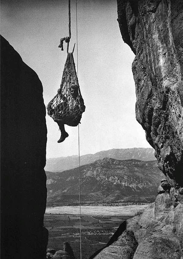 Greece Meteora Hanging in There. FredBoissonnas.rsz-709616.jpg