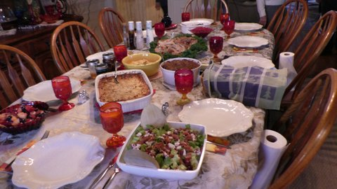 thanksgiving feast---reiffs.JPG