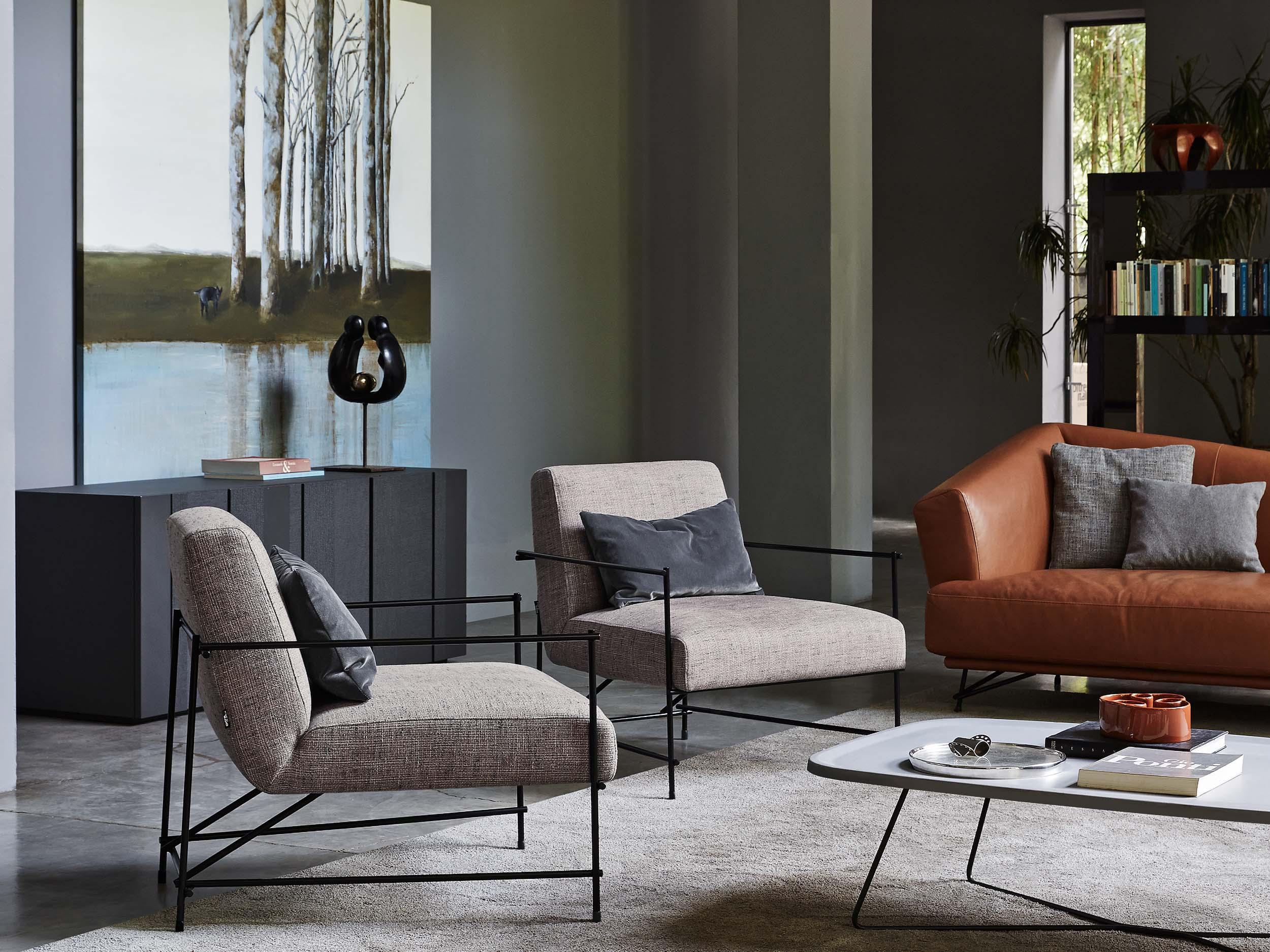 Kyo Arm Chair