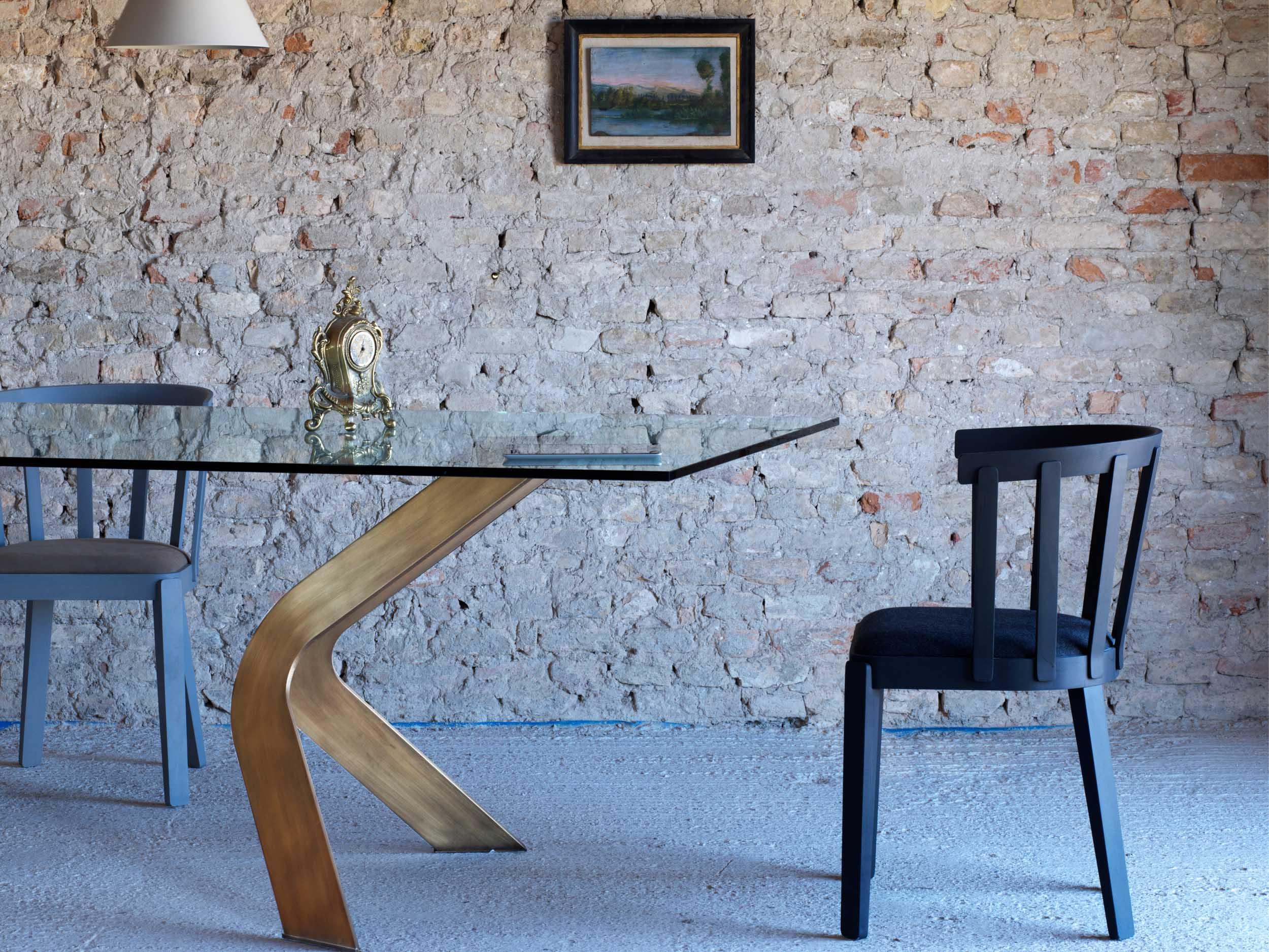 Bipede Table