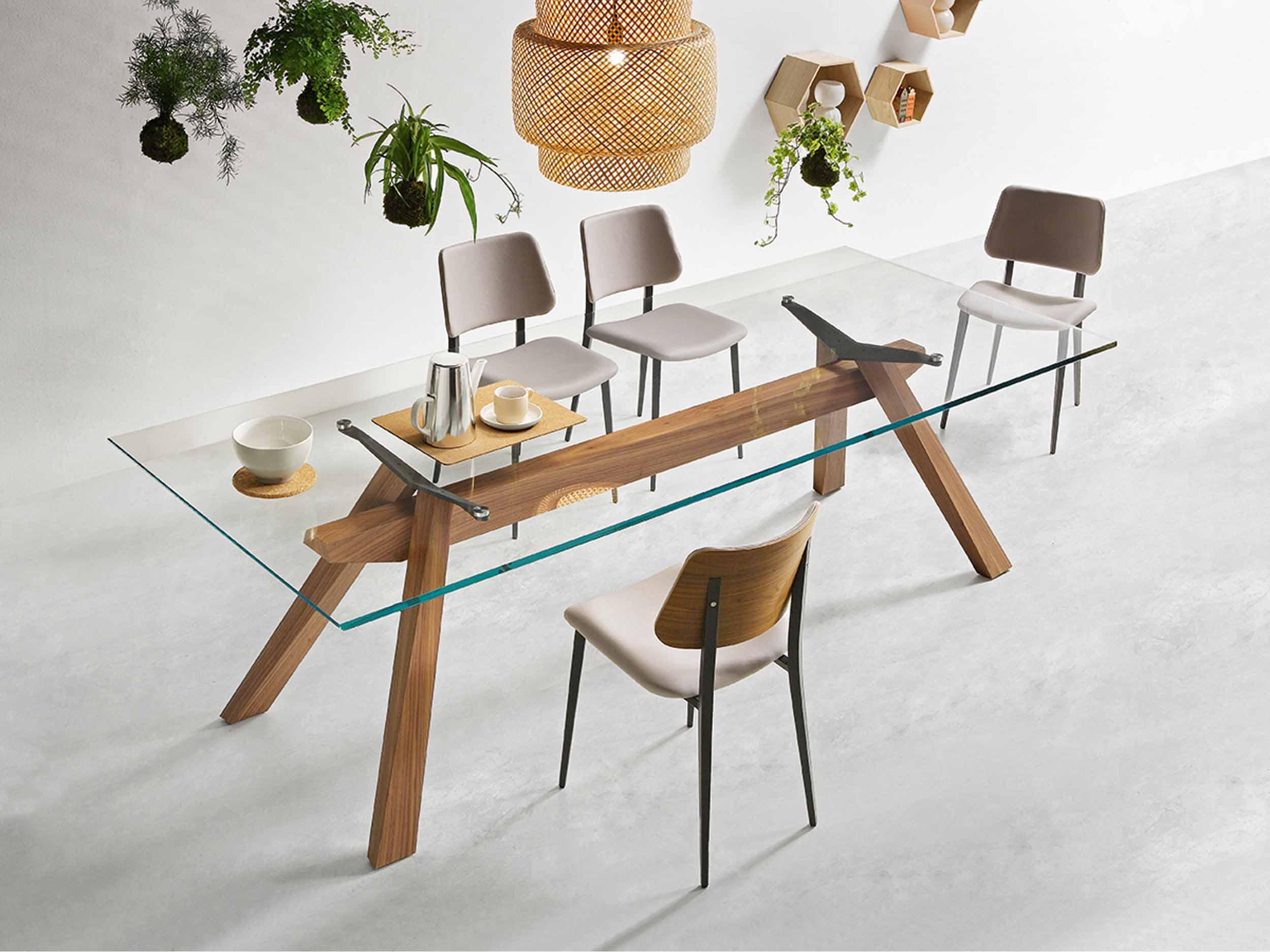 Zeus Table & Joe Chair