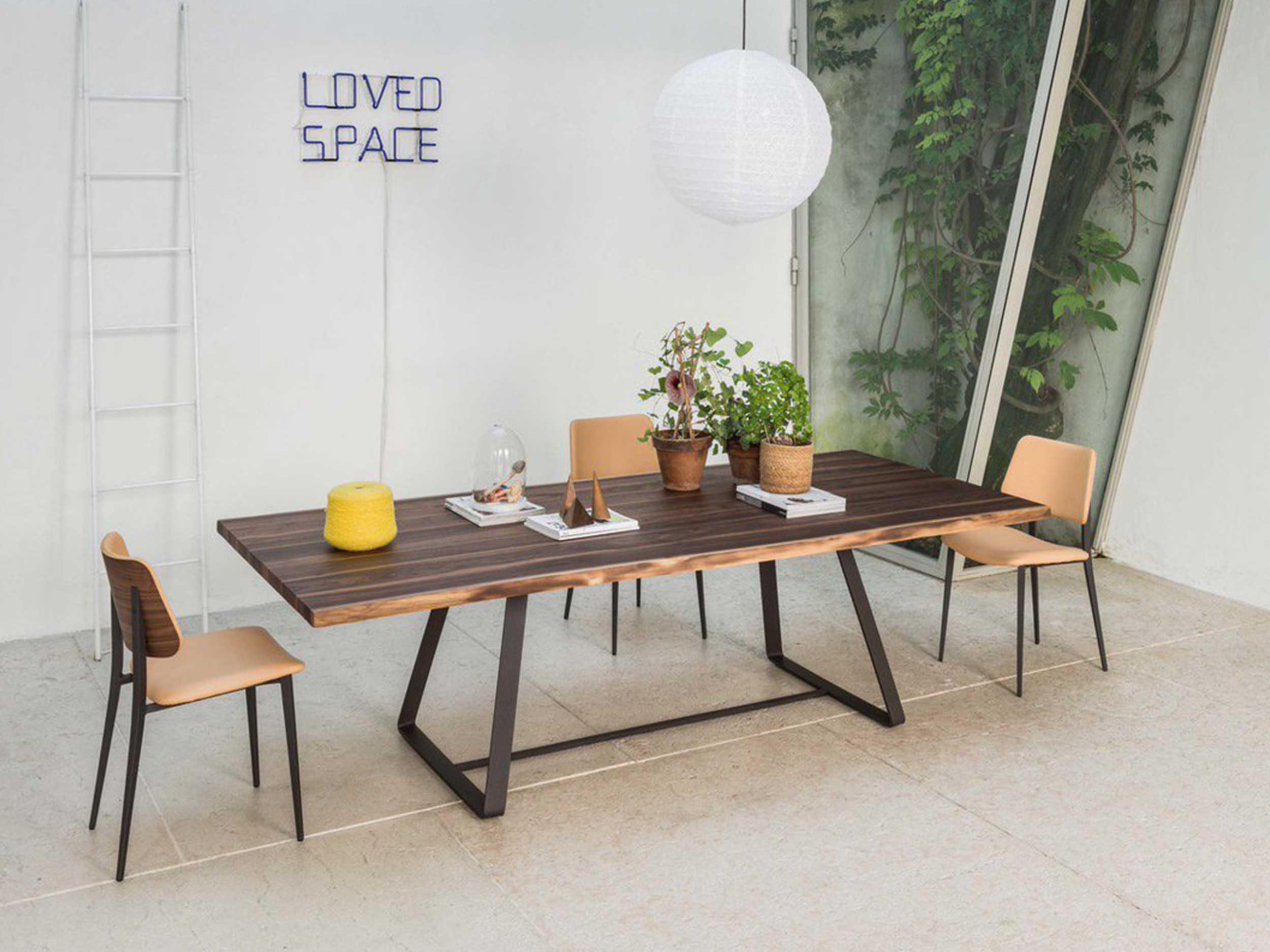 Alfre Table & Joe Chair