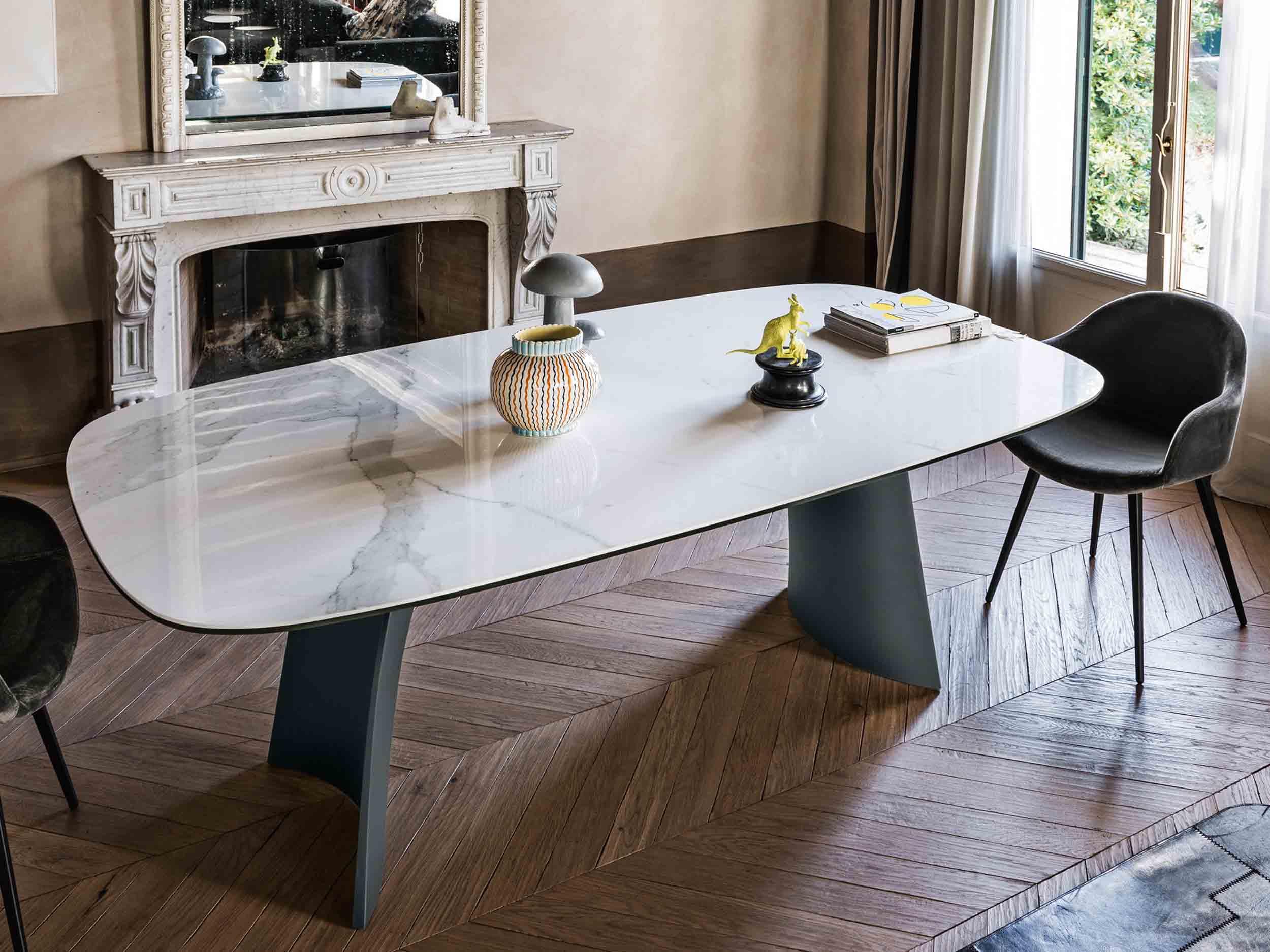 Moonlight Table & Sonny Chair