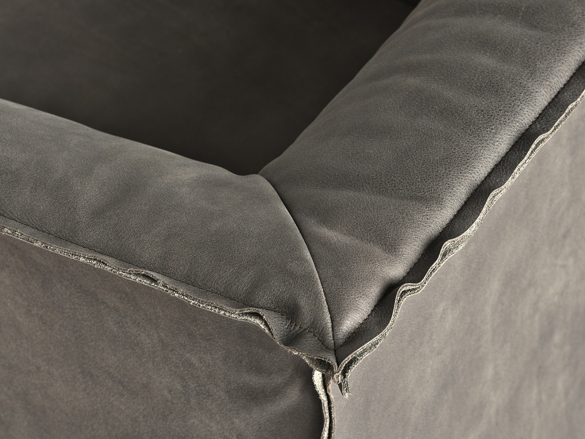 Leather Specialists - Frag is a historic producer of furniture since 1921, nearly 100 years.