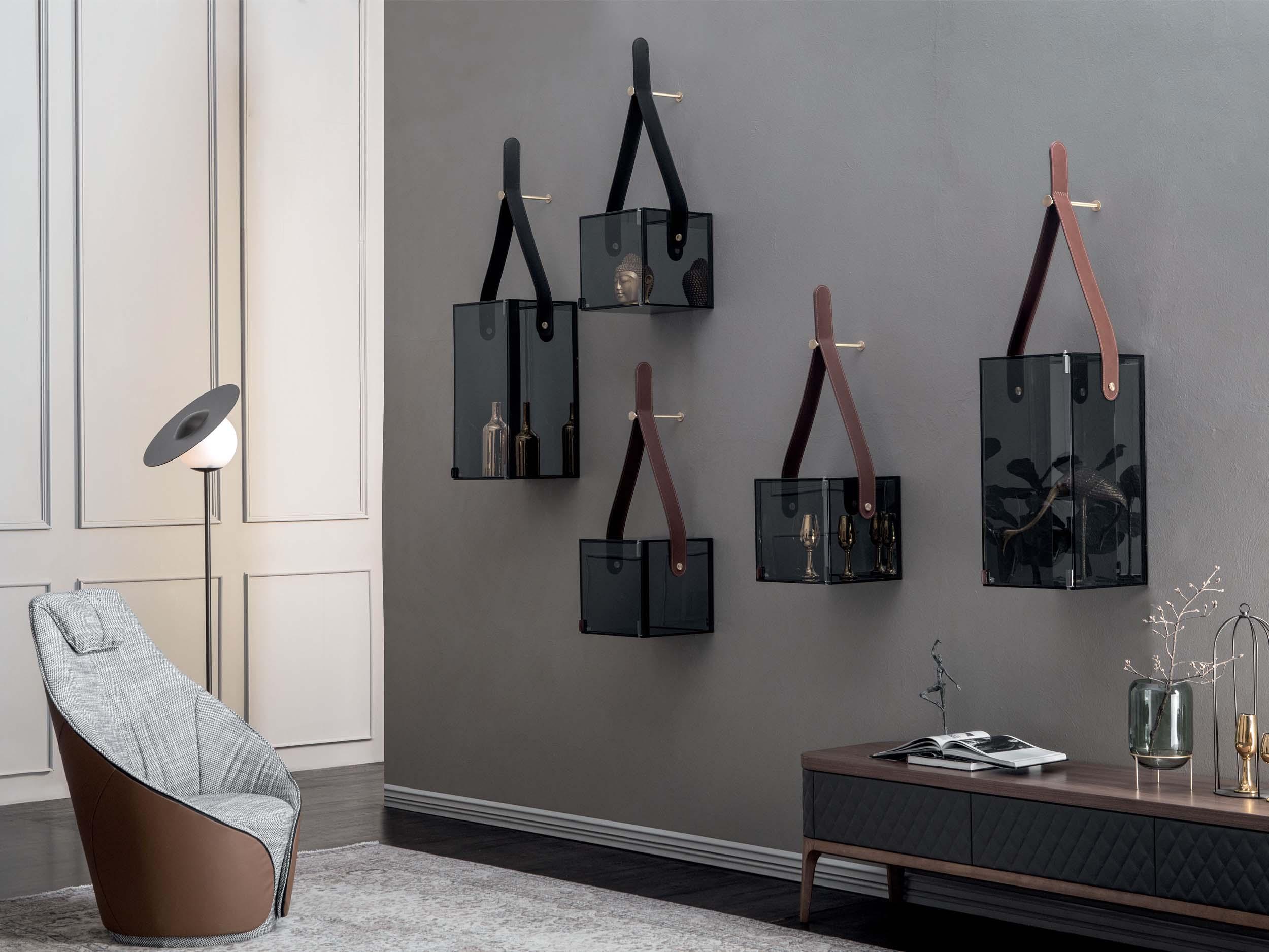 Chèri Hangers