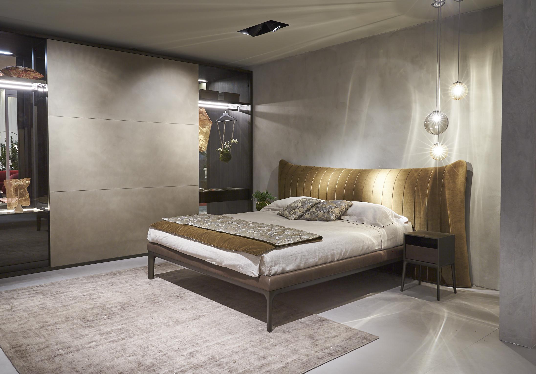 Como Bed + Como Night Stands 01.jpg