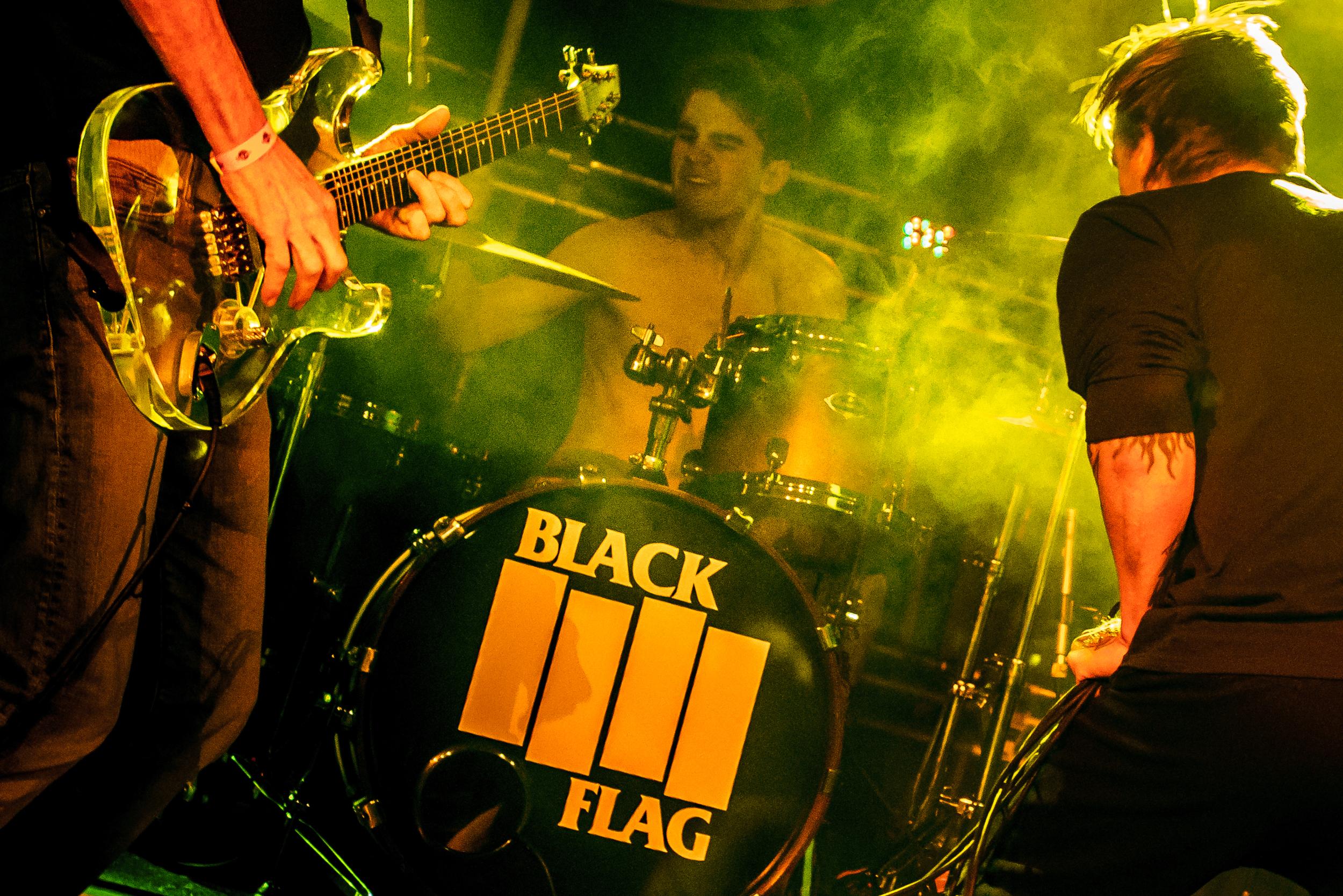 Black Flag May 18 2014 by Karen Mandall-7749.jpg