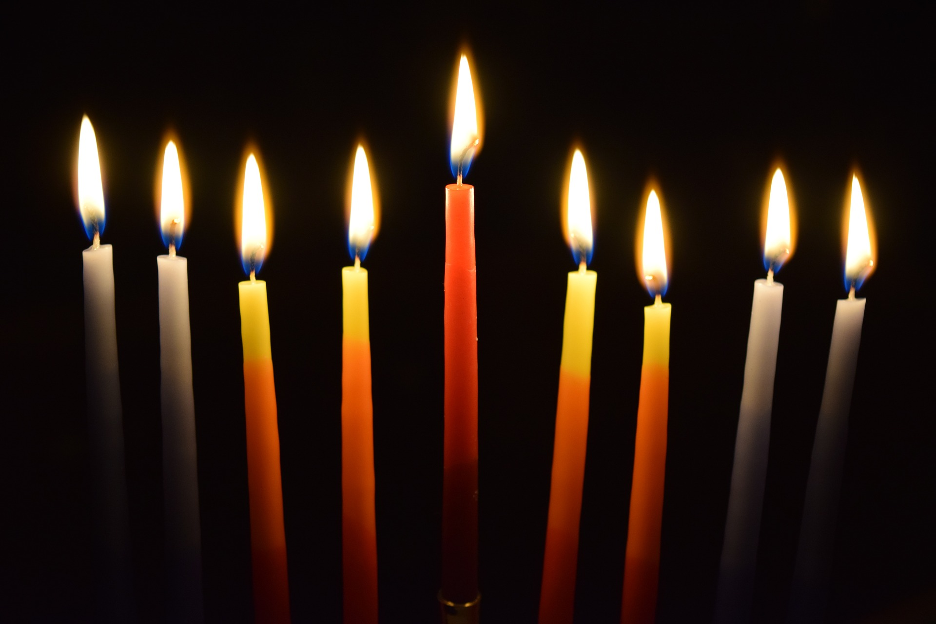 candlelight-1281563_1920.jpg
