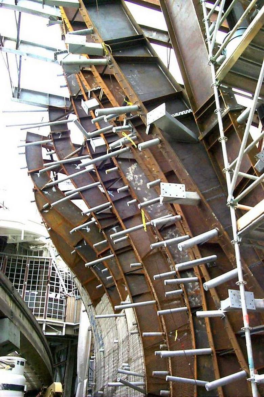Figure 10. Gehry Partners, E.M.P., Under construction.