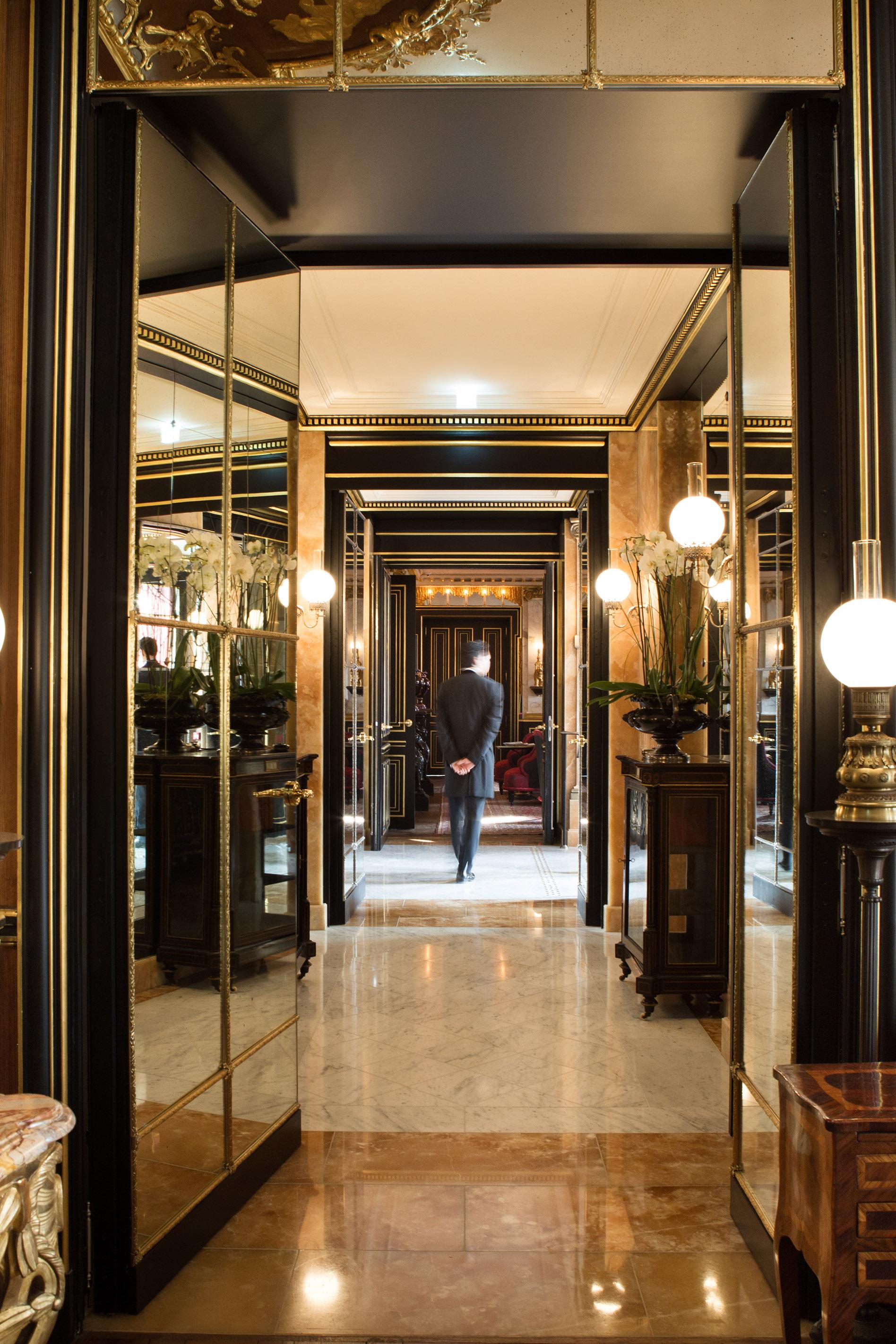 La-Reserve-Paris-Hotel-Reception.jpg