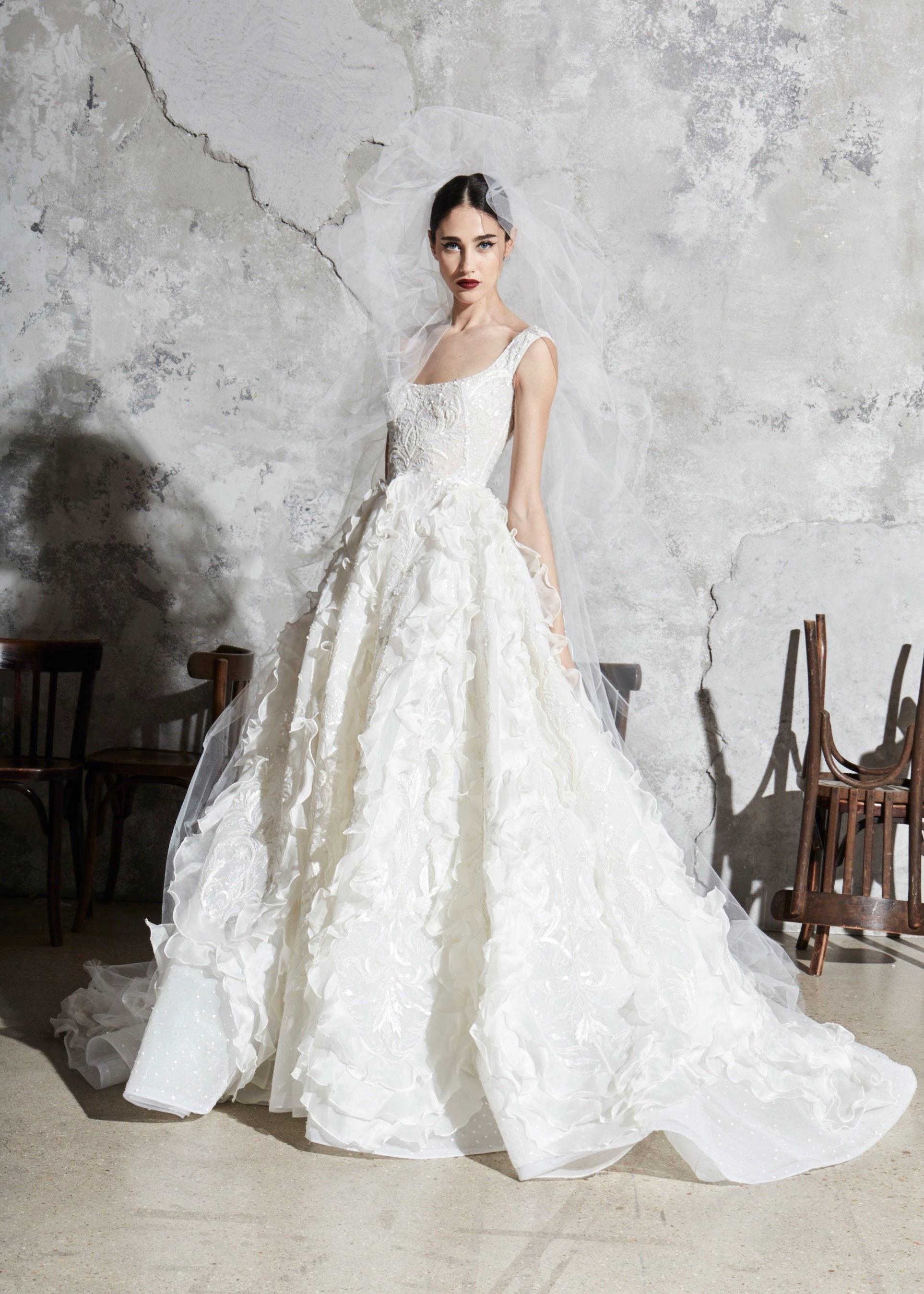 00018-zuhair-murad-new-york-bridal-Spring-2020-CREDIT-Thomas-Nutzl.jpg