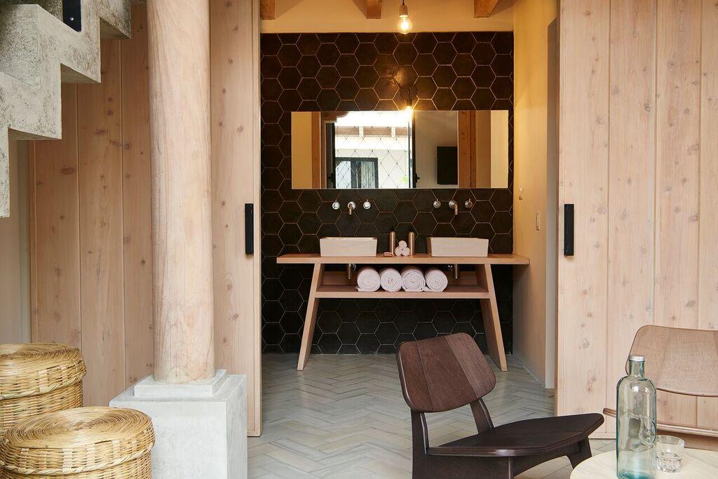 Good Hotel Antigua - Patio room bathroom.jpg