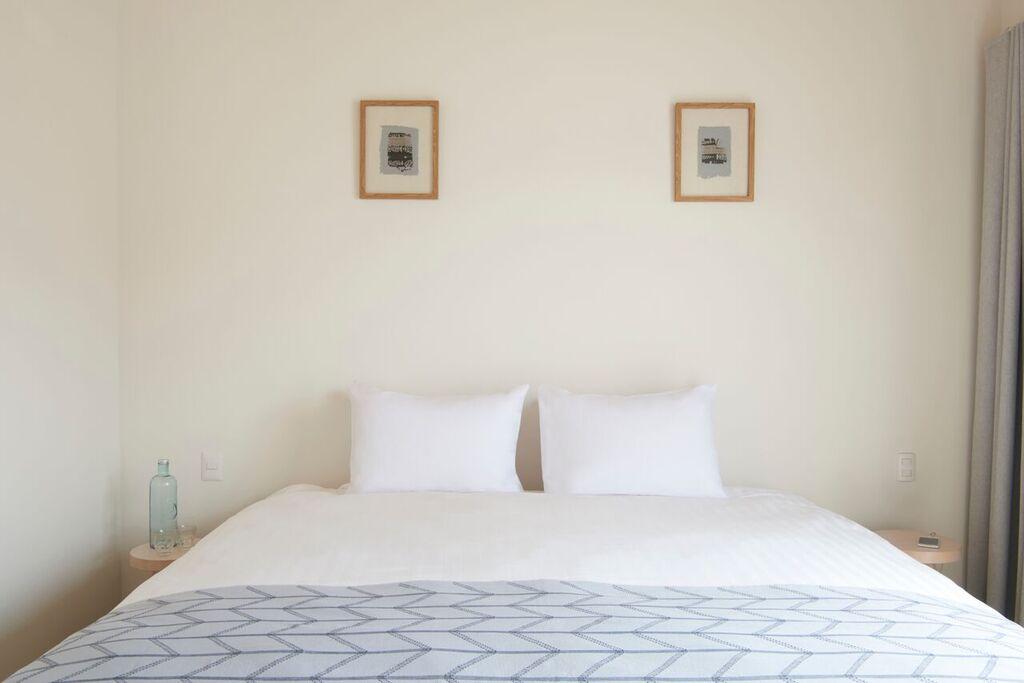 Good Hotel Antigua - Pila room bed only.jpg