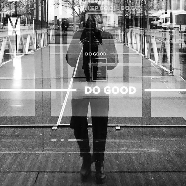 """Do Good"". But what does good mean? ⠀⠀⠀⠀⠀⠀⠀ For us it means helping children go to school. Giving unemployed people another opportunity. Sourcing locally to add value to our immediate surroundings. Creating spaces where people connect. In its essence, it's about creating human value. ⠀⠀⠀⠀⠀⠀⠀ When you visit us, you're contributing to all those things. We've done our best to make ""doing good"" as easy (and enjoyable!) as possible. #SleepGoodDoGood ⠀⠀⠀⠀⠀⠀⠀ Photo by @inafankle at the front doors of Good Hotel London."