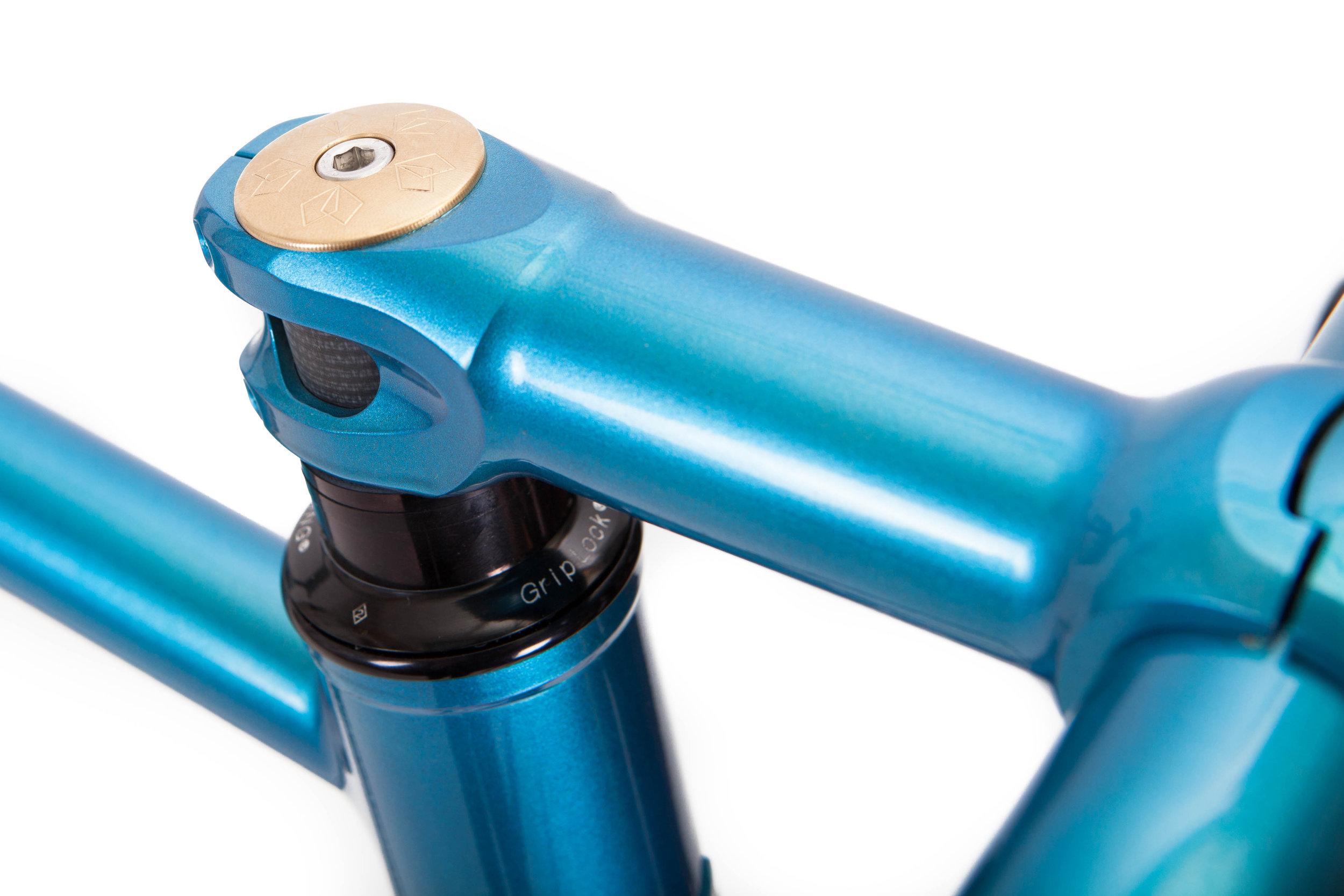 Jeremy Corbett Stainless Light Tourer stem:paint detail.jpg