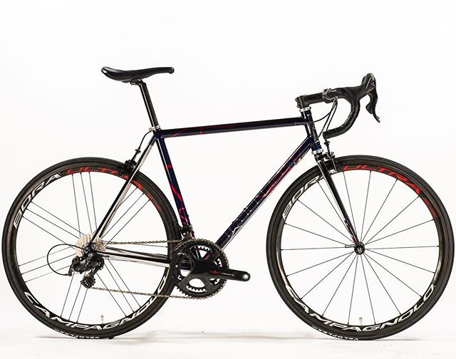 Our first @nahbspics has been a whirlwind! Still travelling around California and loads of pics to share when back, but for now this one - @25rrphantom's #xcr #roadbike, which we was awarded the President's Choice Award for overall the overall design decision! Definitely the most hours I've ever spent making a bike wrapped up in this one, so very very pleased! 😁😁 #roadtonahbs #nahbspics #nahbs2019 #bespoke #xcr #roadcycling #roadracebike #stainlesssteel #frame #steel #framebuilder #london #uk #custom #handmade #bike #bespokebikelife
