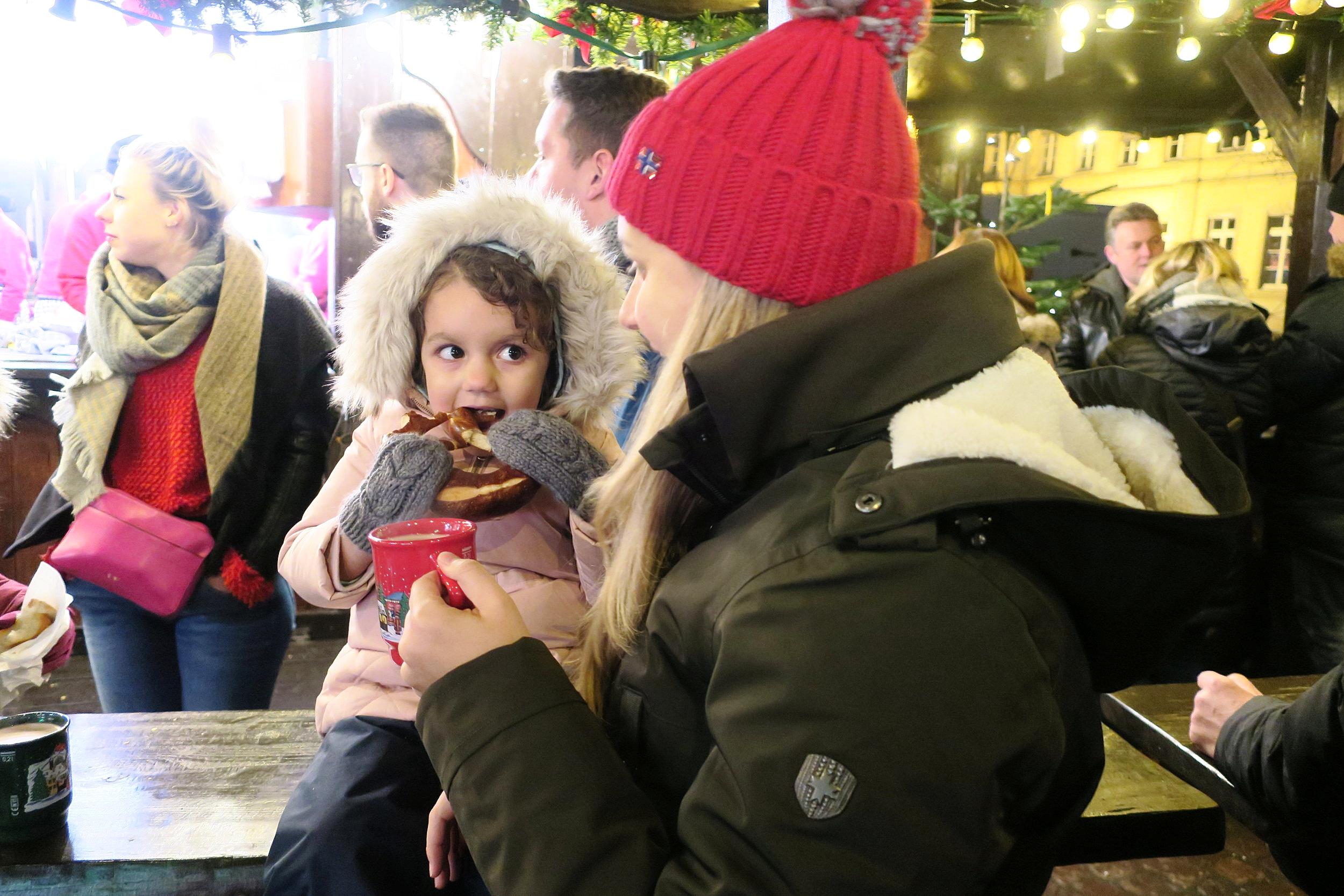 Olivia no brezel e eu no glühwein!
