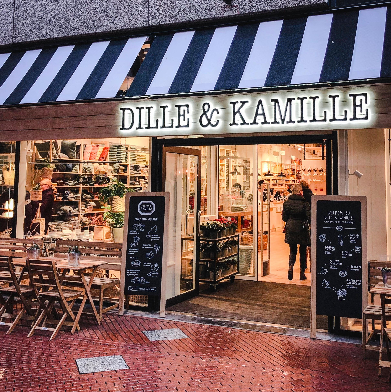 A frente da loja numa ruazinha simpática em Eindhoven.