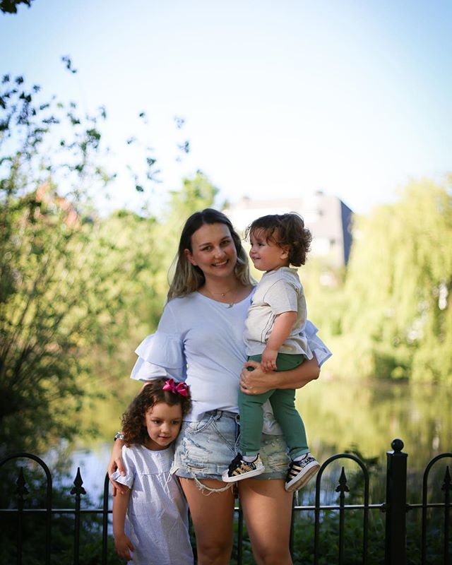 Já está no ar nossa entrevista para o projeto Dialogues da querida @matildaslitkit . Eu acredito muito no trabalho dela e estou super orgulhosa de fazer parte. Para ler, clique no link da bio aqui: @oliviamedisse 🌸  Foto da melhor fotógrafa brasileira em Amsterdam, a querida @fotosemamsterdam