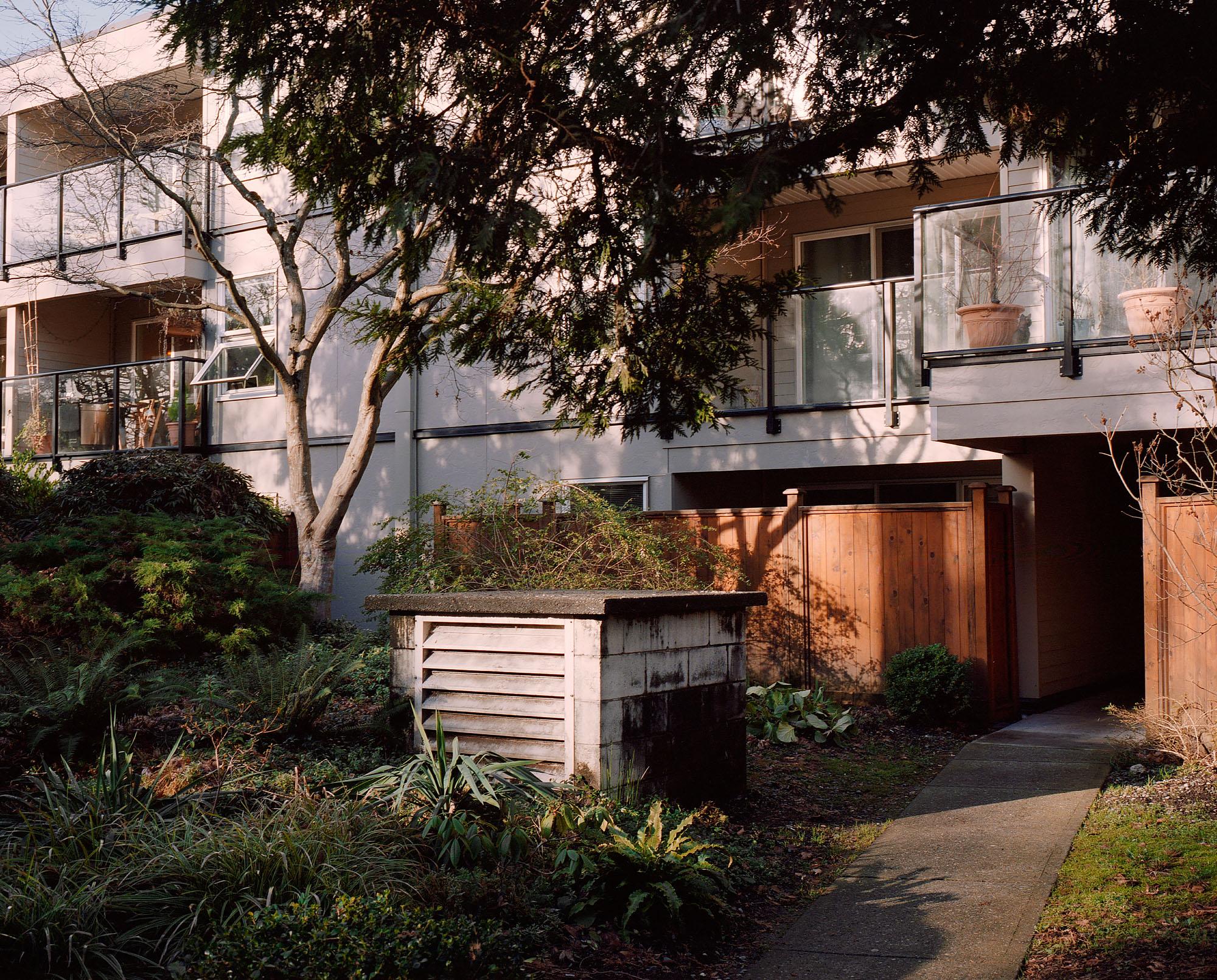 Vancouver_Mamiya7_Roll06__04.jpg