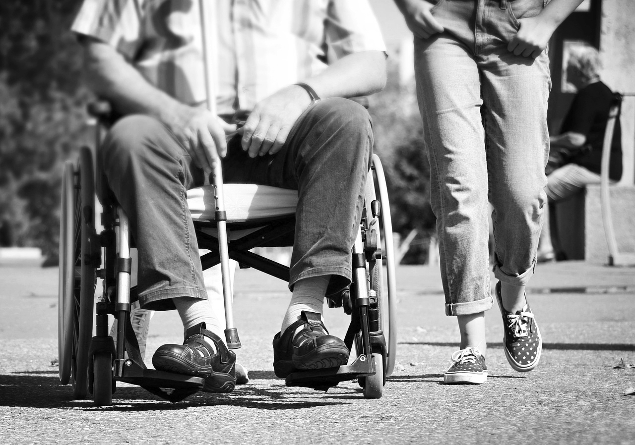 wheelchair-1629490_1280.jpg