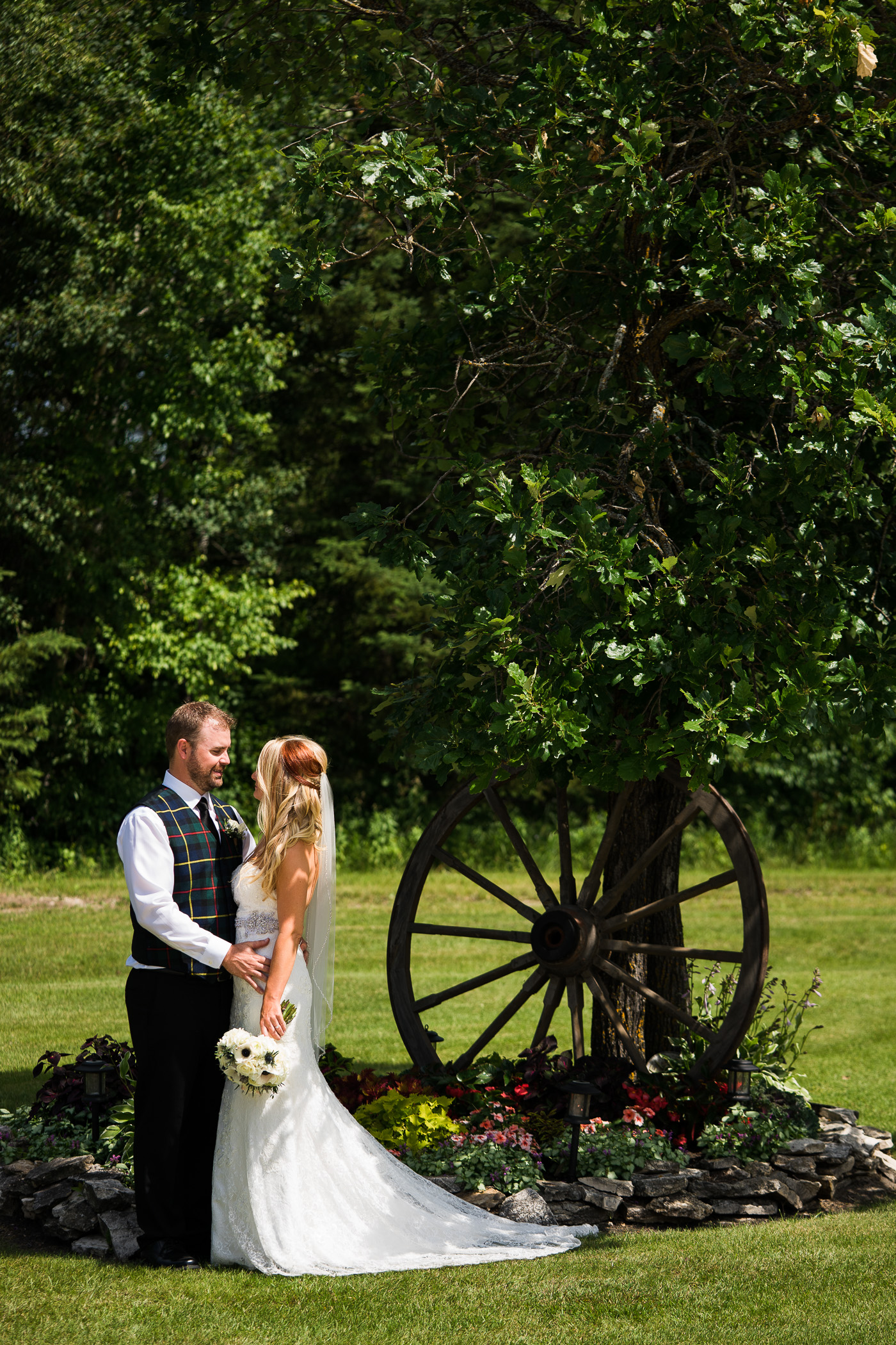 Ainsley and Ian - Gimli Wedding - COJO Photo-860.jpg