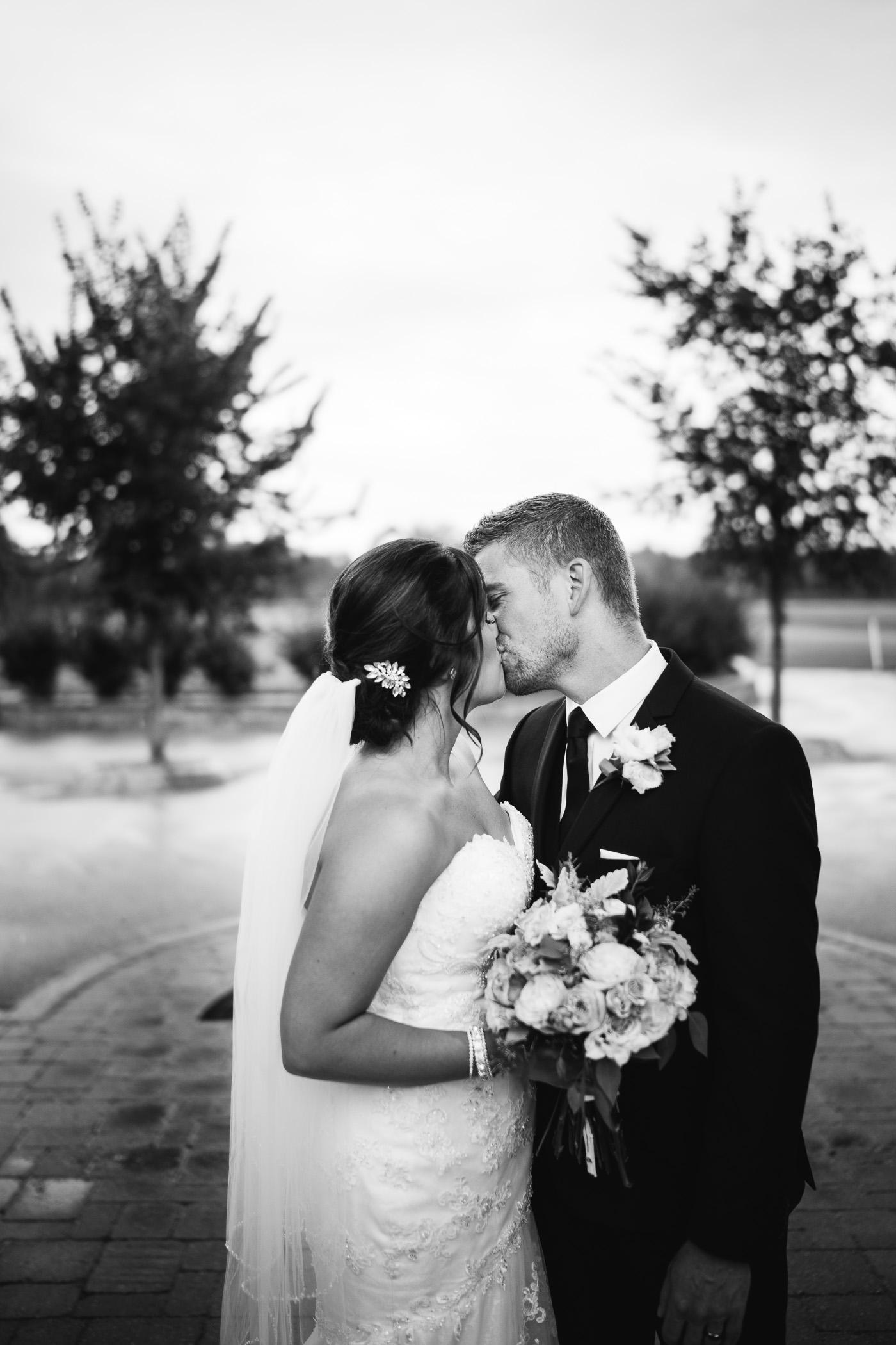 Marie and Steve - Breezy Bend Wedding - Cojo Photo-1038.jpg