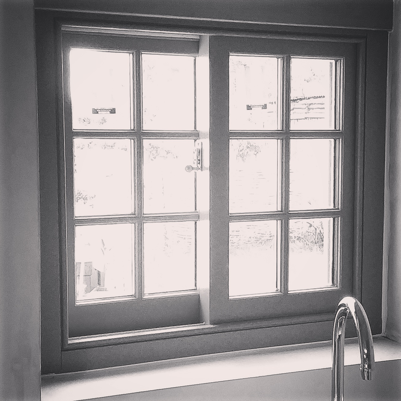 Hand crafted bespoke windows. These windows combine traditional Yorkshire sliding sash styling, with modern thermal performance.