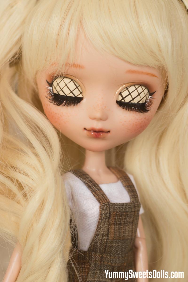 Chocolate Cream Puff by Yummy Sweets Dolls