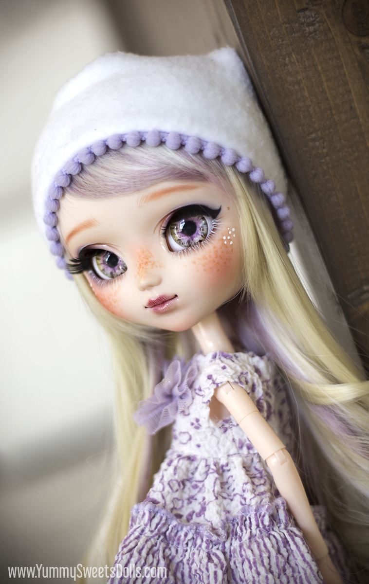 Lavender Shortbread Cookie by Yummy Sweets Dolls, Connie Bees