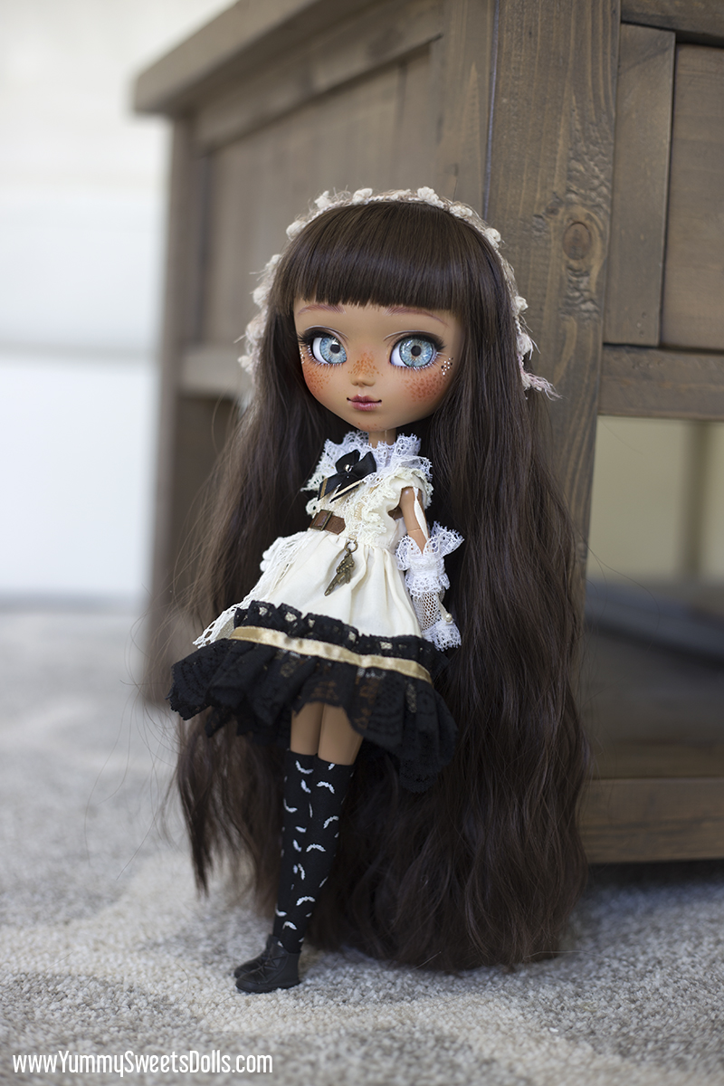 Tuxedo Cake by Yummy Sweets Dolls, Connie Bees