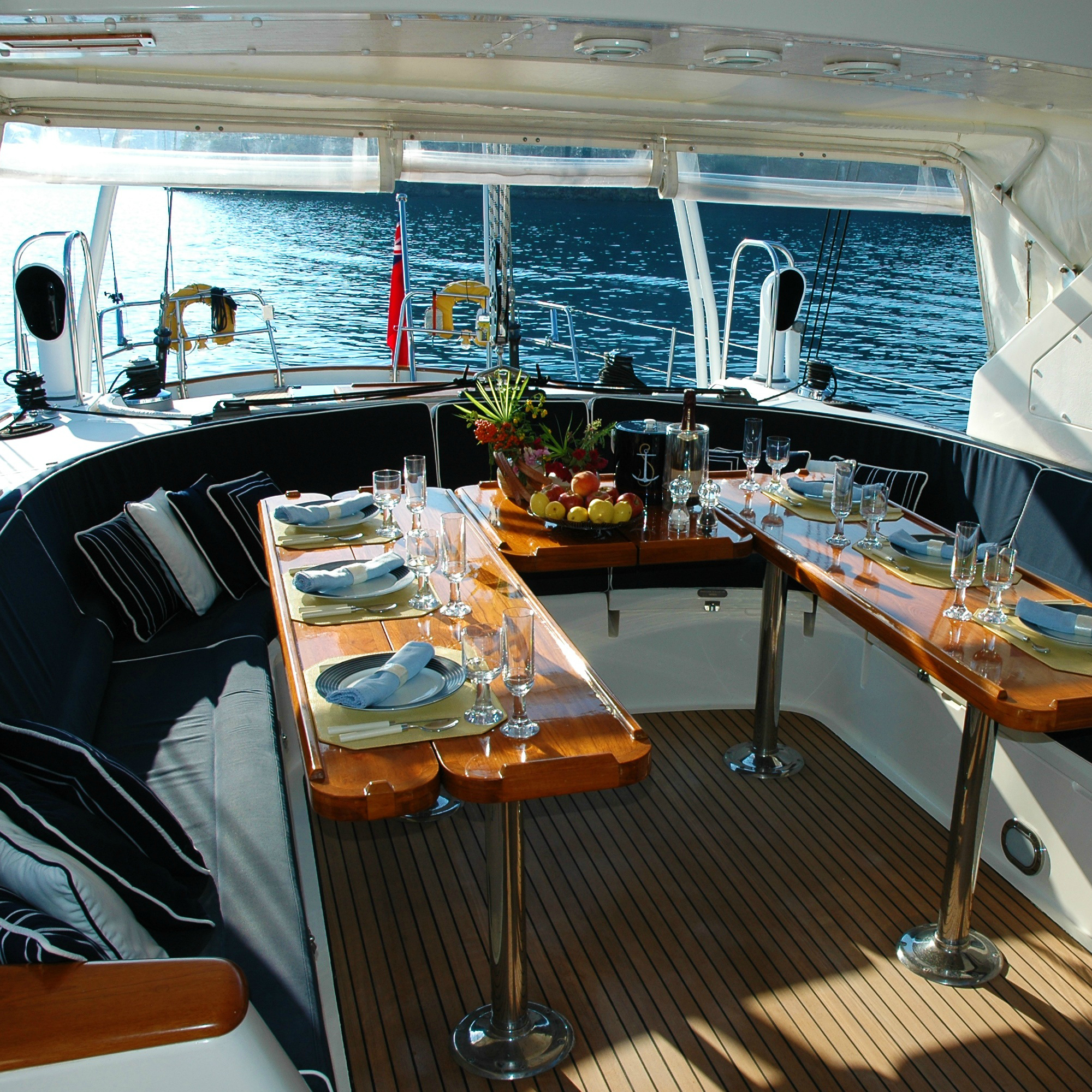 Golds_wine_spirits_yacht_provisioning.jpg