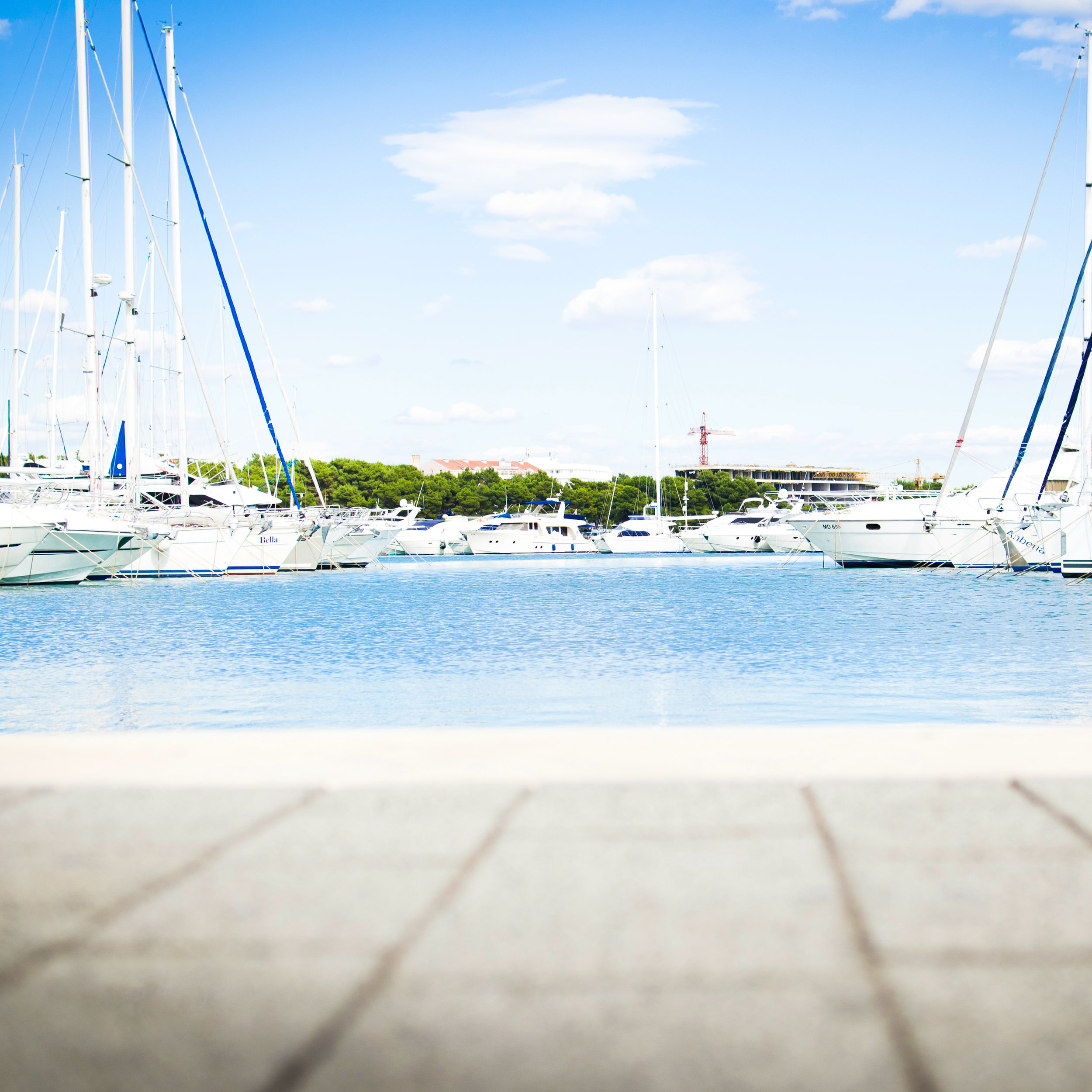 golds_wine_spirits_yacht_provisioning_newport.jpg