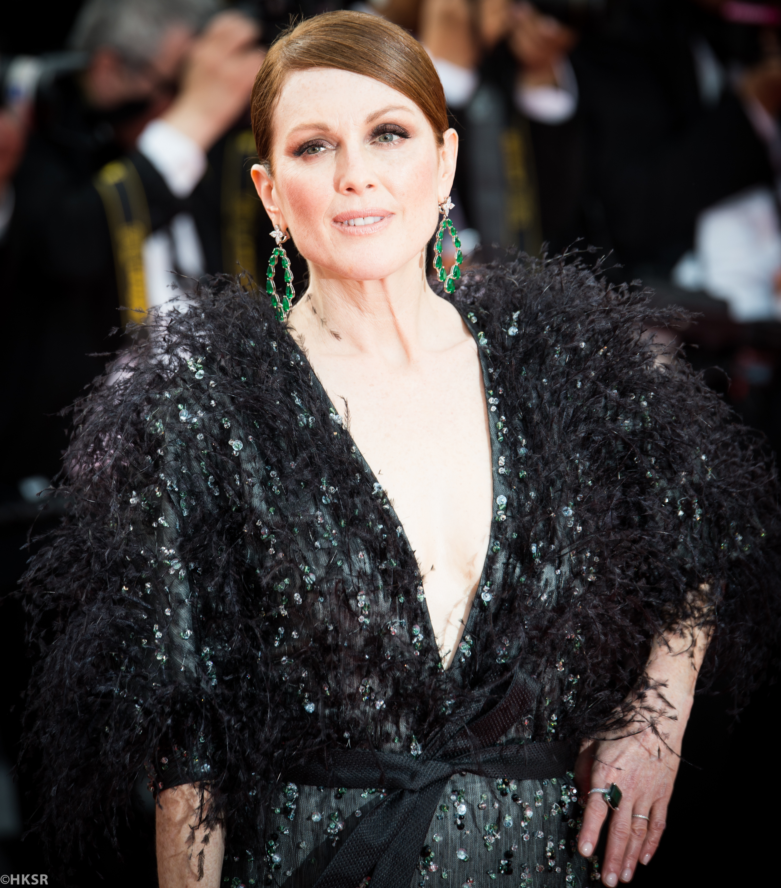 Julianne Moore  in   Armani Privé looked  stunning on the red carpet at Cannes 2015