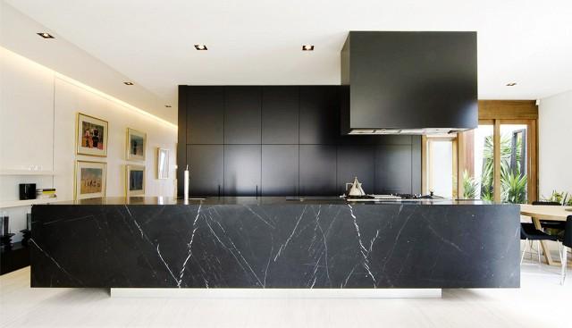 black-marble-countertop