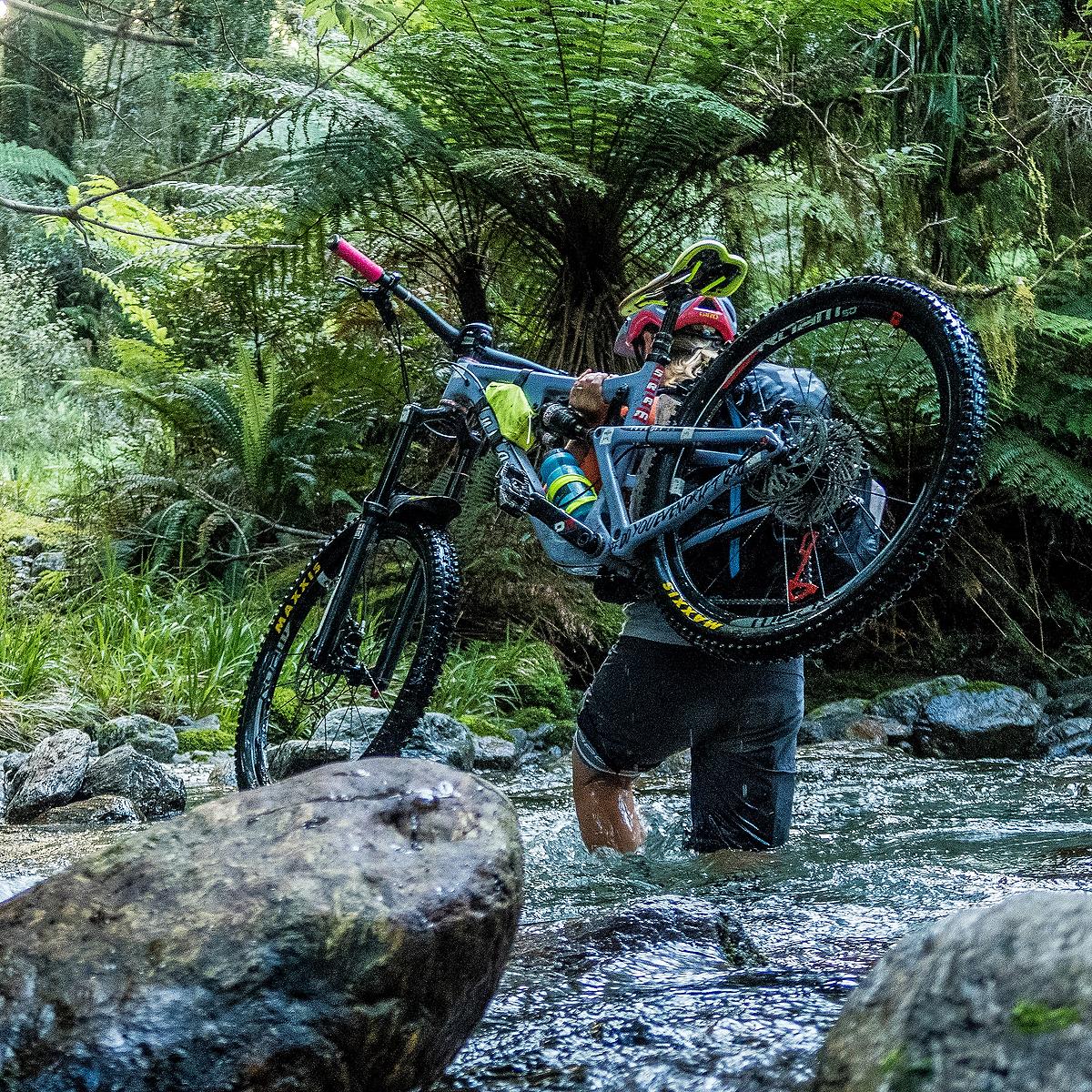 Sombrio Pinner Men/'s Mountain Bike Mtb Baggy Cycling Shorts Size XS Blue New