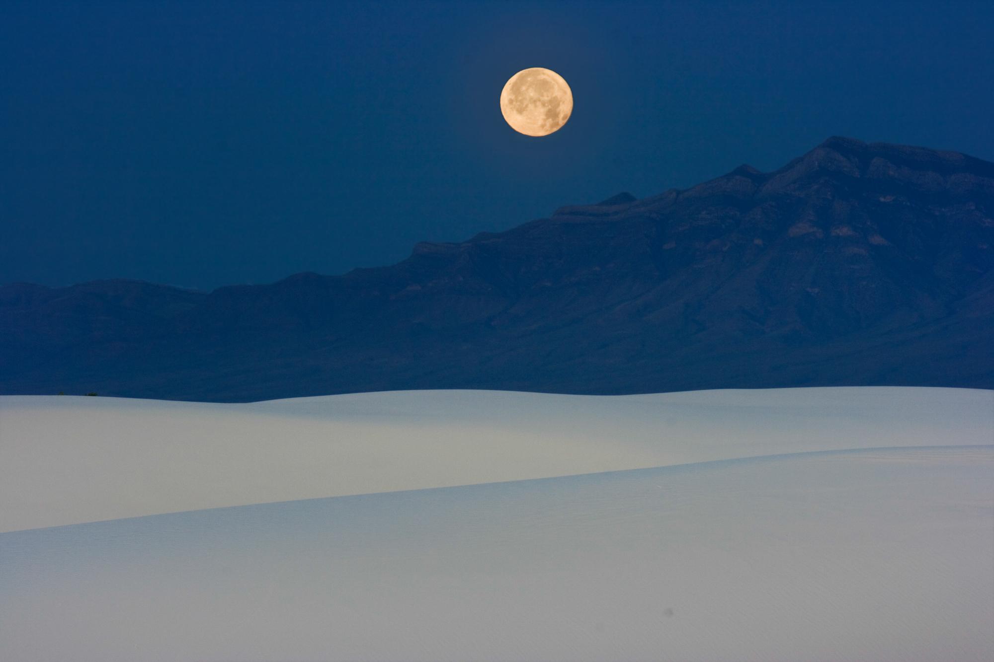 moonsetredoprefinal copyii.jpg