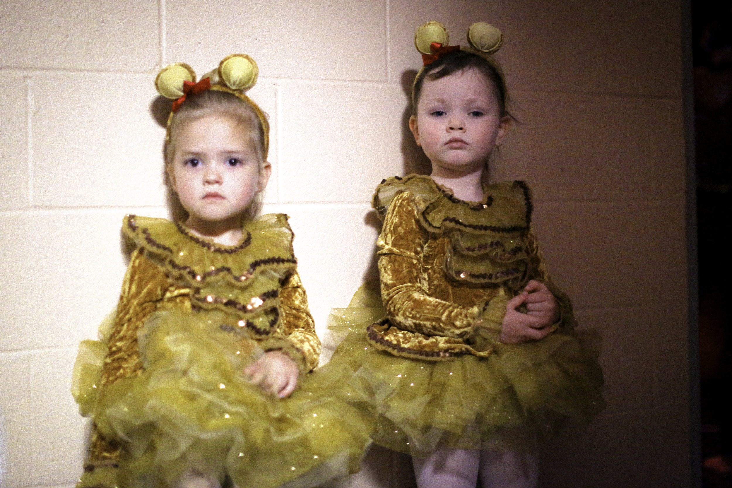 7W1A4882_yellow ballerinas_ritathompson.jpg