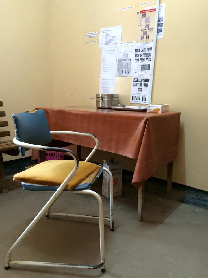 A clinic vaccination room. (Laura Payton)